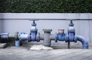 Pumpen auf Asphalt